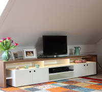 Foto: Sideboard mit LED-Beleuchtung
